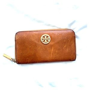 Tory Burch leather zipped wallet